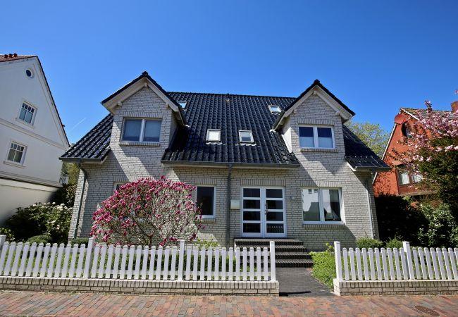 Ferienwohnung in Wangerooge (Nordseebad) - Parkoase 3, Maisonette Wohnung mit Balkon